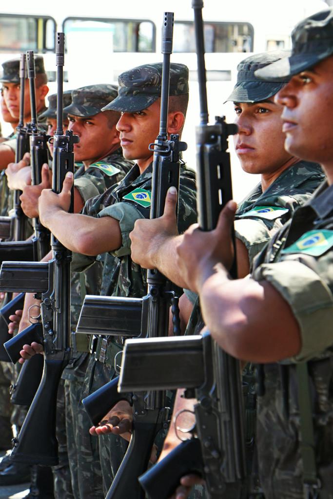 03.08 Governador visita 16º Batalhão do Exército - Foto Rayane Mainara (5)