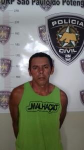 13.04 Carlos Alberto de Oliveira