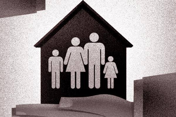 Crédito: Maurenilson Freire/CB/D.A Press. Mão cobre casa com família dentro.