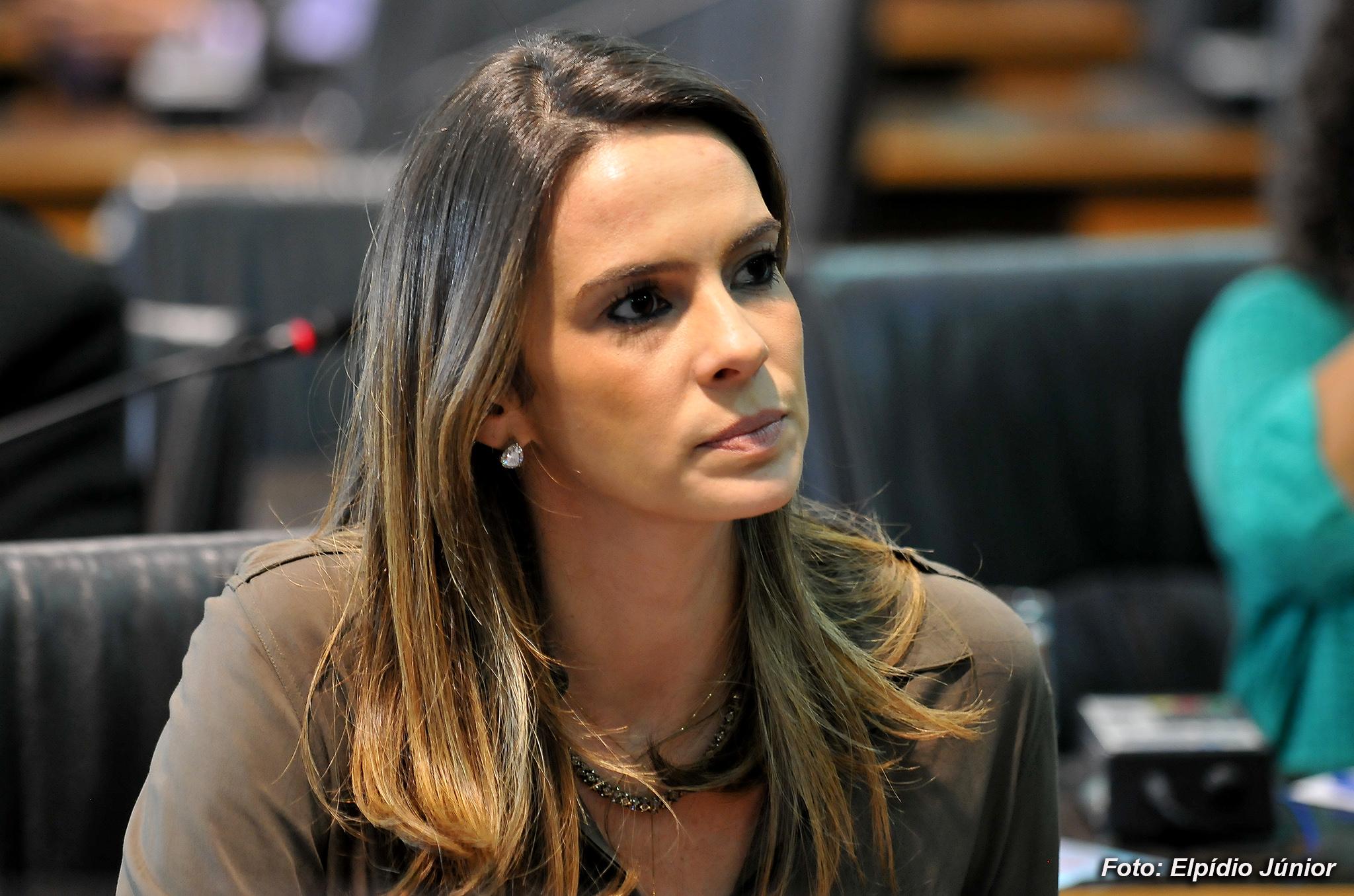 Vereadora Júlia Arruda emite nota de esclarecimento - Blog do BG