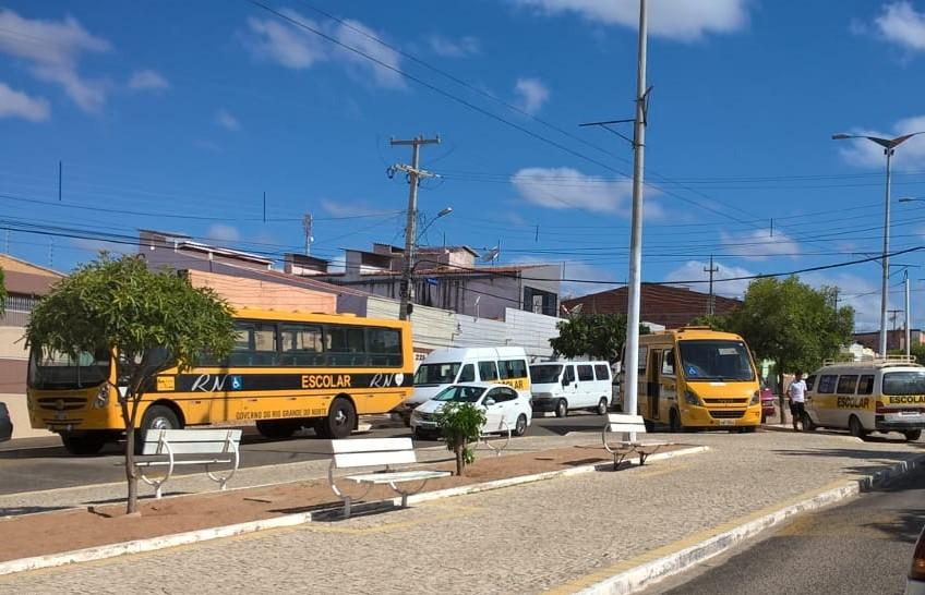 ROTINA: Detran vistoria transporte escolar das cidades de Mossoró e Apodi