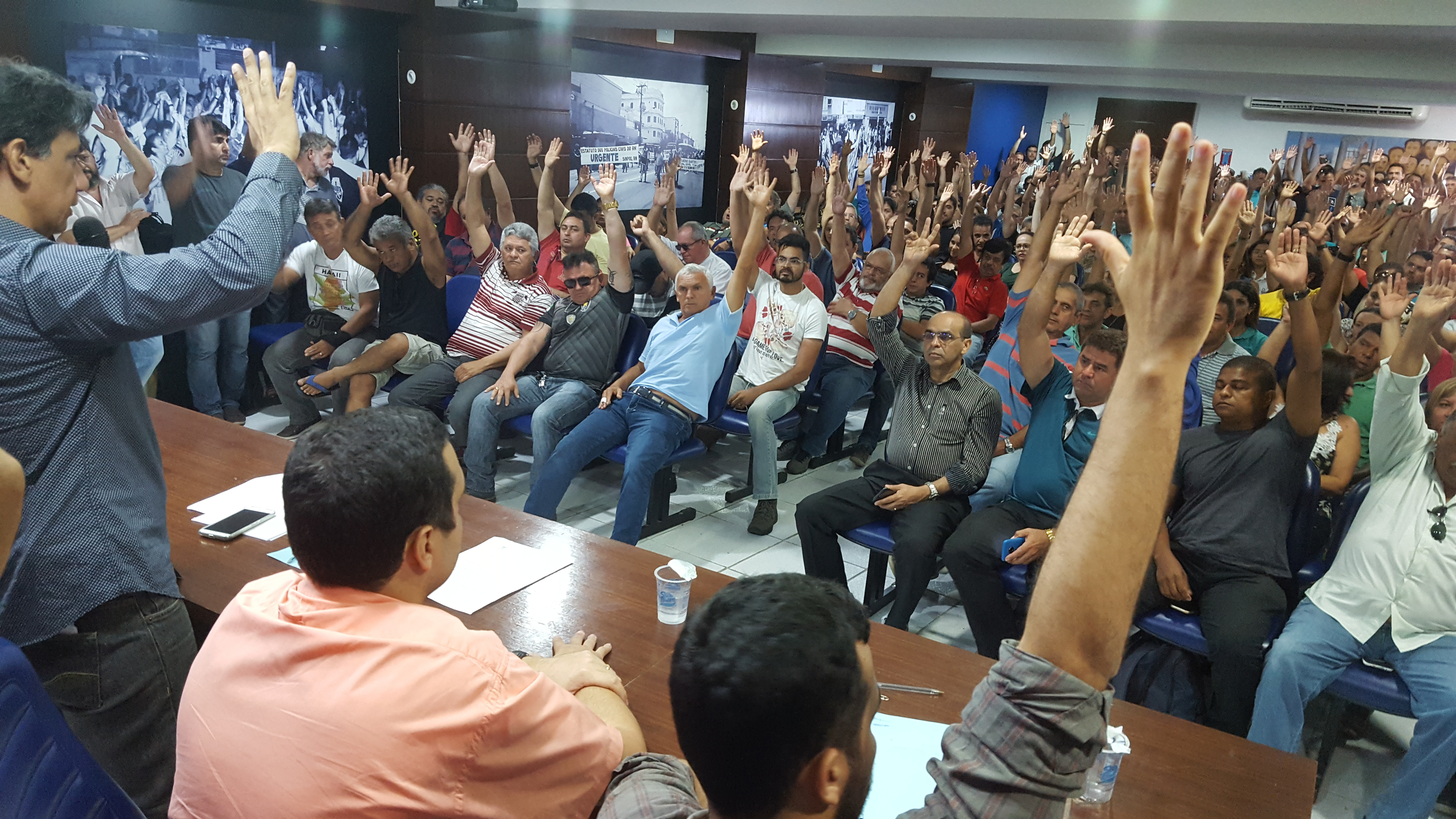 613de43989f A mobilização dos policiais civis do Rio Grande do Norte contra atraso de  salários terá uma ação social, nesta quarta-feira, dia 27 de dezembro.