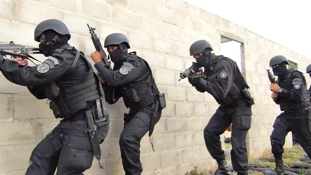 Resultado de imagem para POLICIA EM ACÃO SEGURANÇA