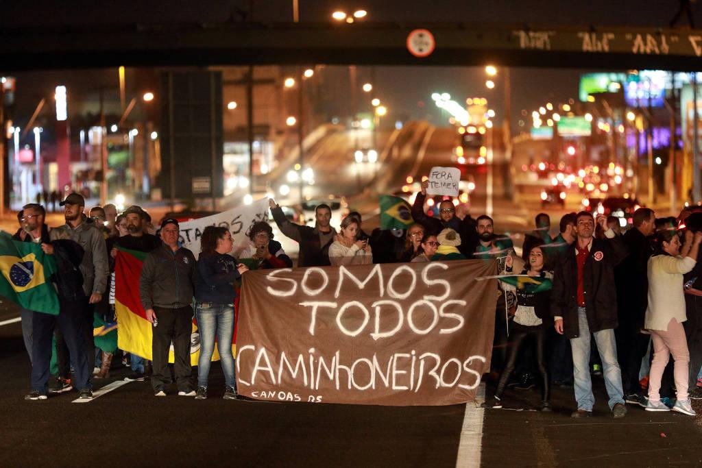 Datafolha: 56% dos brasileiros acham greve dos caminhoneiros deve seguir, contra 42% que são a favor de seu fim