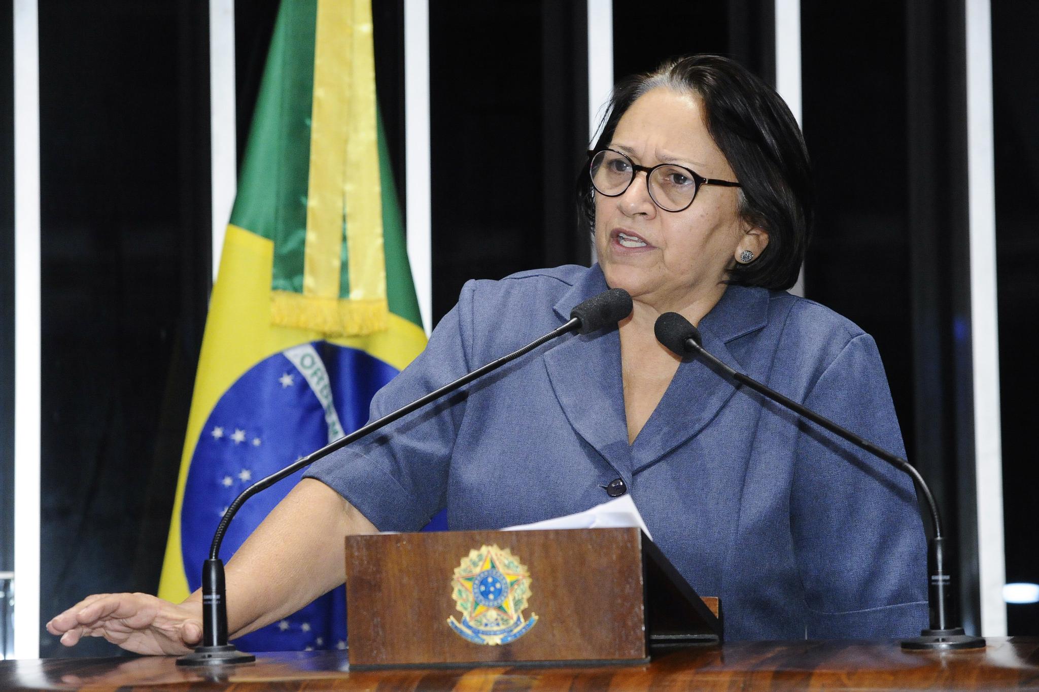 Resultado de imagem para Grev Fátima diz que estados e municípios não podem pagar por política irresponsável