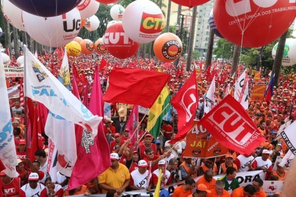 Sem imposto, arrecadação das centrais sindicais cai até 90%