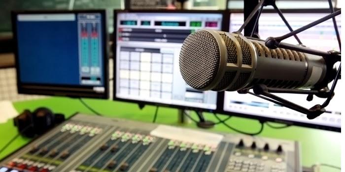 Pré-candidatos estão proibidos de apresentar programas de rádio e TV