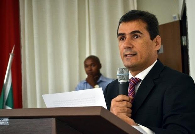 Ministério Público denuncia ex-prefeito Klaus Rego por ocultação de documentos públicos