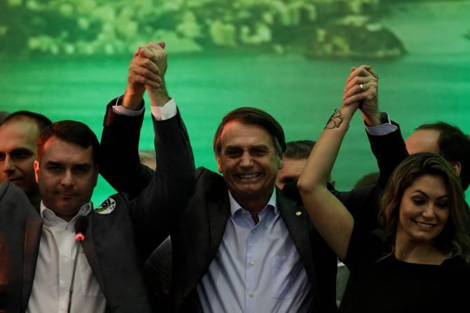 Bolsonaro lidera corrida presidencial; números são de um levantamento inédito do Paraná Pesquisas