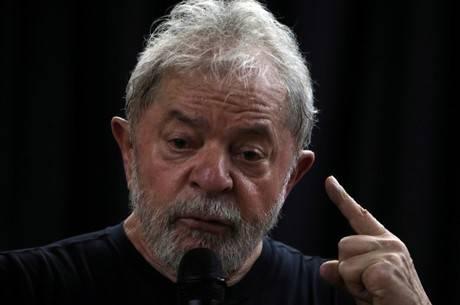 Por áudios e fotos, entenda como Lula controla o PT da prisão