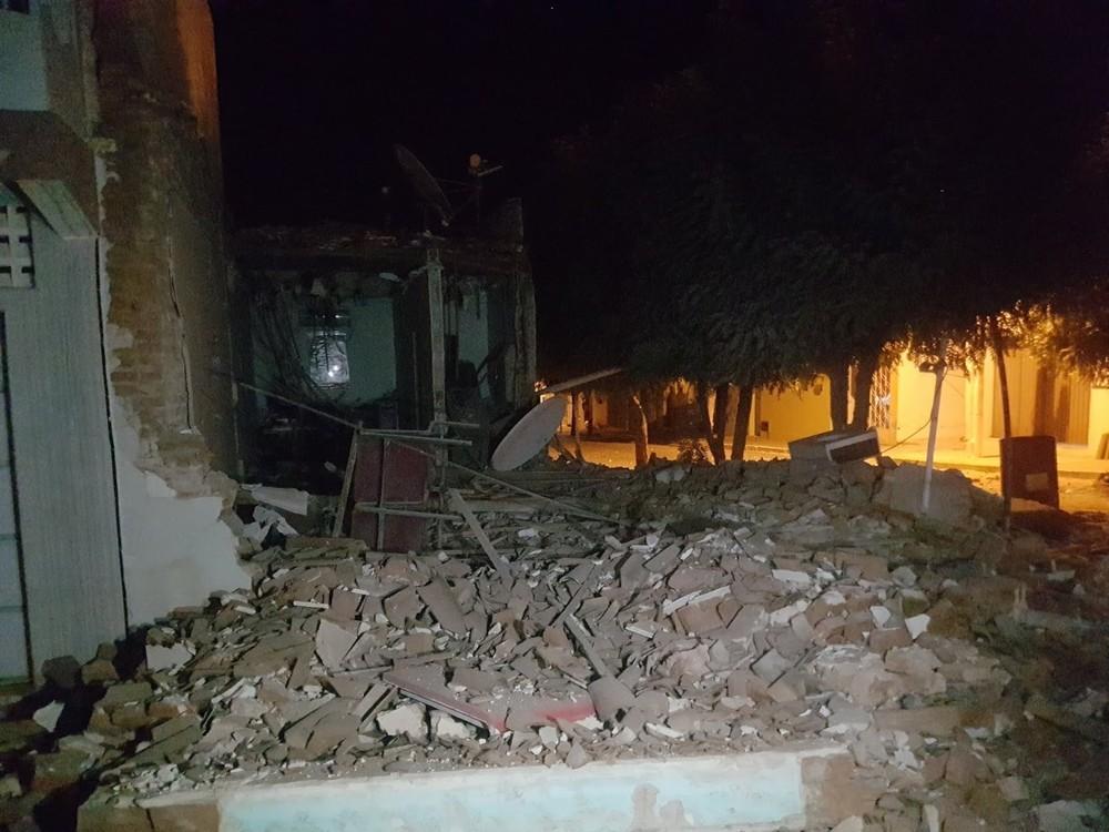 Terror no interior do RN: quadrilha fortemente armada explode caixa e cofre e prédios desabam; destacamento da PM também atacado