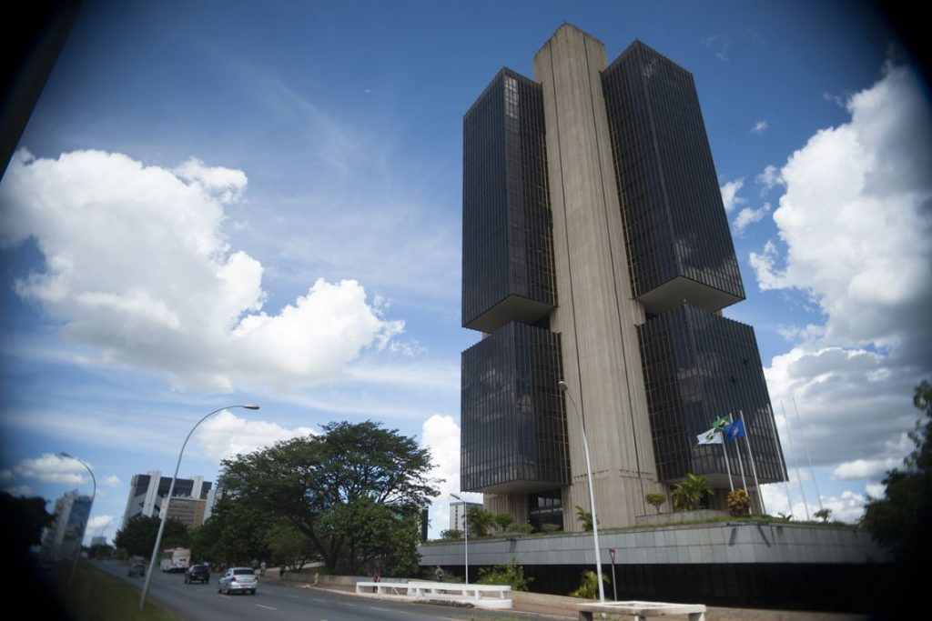 BC leiloou US$ 12,25 bilhões das reservas para segurar dólar