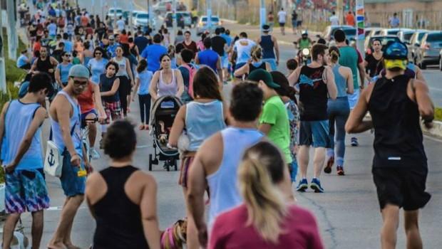 Resultado de imagem para Caminhada alerta para prevenção ao câncer de mama neste domingo na Via Costeira