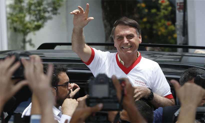 Revista norte-americana 'Time' inclui Bolsonaro em enquete sobre personalidade do ano