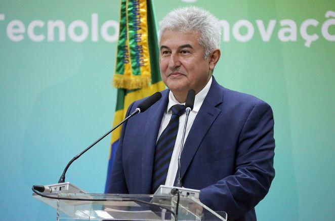 'Não se deve misturar ciência com religião', diz ministro Marcos Pontes