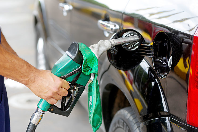 Resultado de imagem para Petrobras eleva preços da gasolina