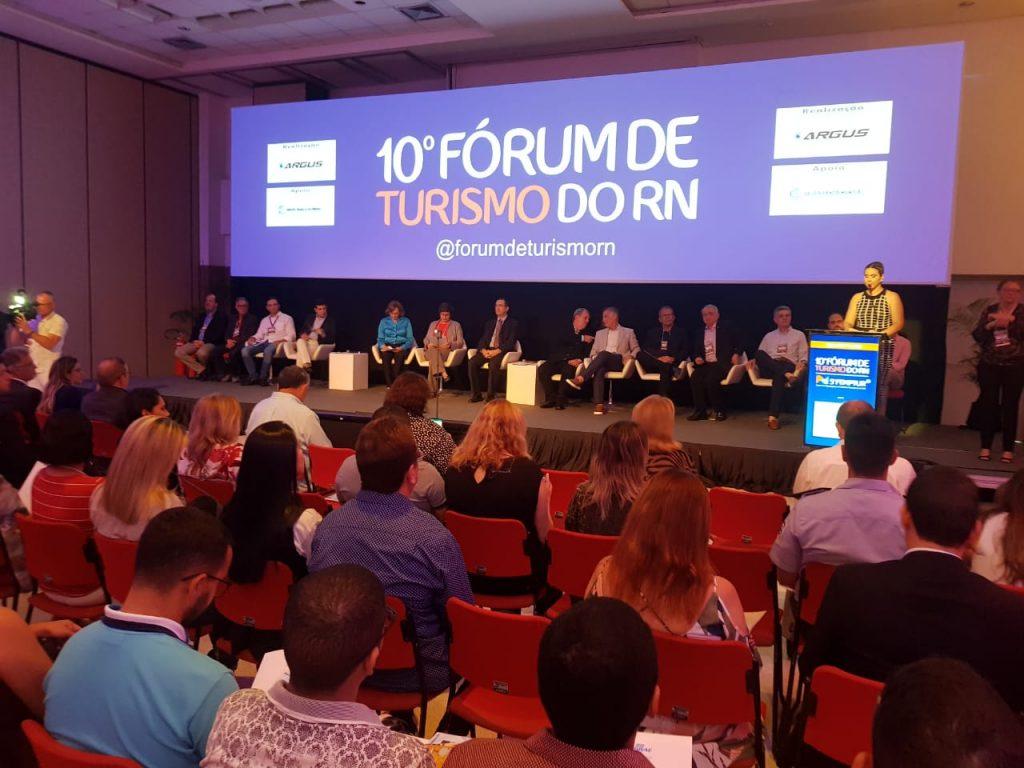 Fórum de Turismo e Femptur reúnem grande público em seu primeiro dia