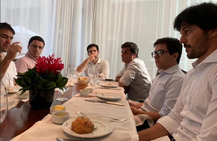 """""""A classe política tem uma responsabilidade muito grande com a economia do nosso Brasil"""", diz Fábio Faria em almoço com investidores"""