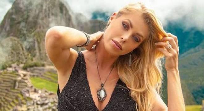 FOTO: Modelo Caroline Bittencourt está desaparecida no litoral de SP