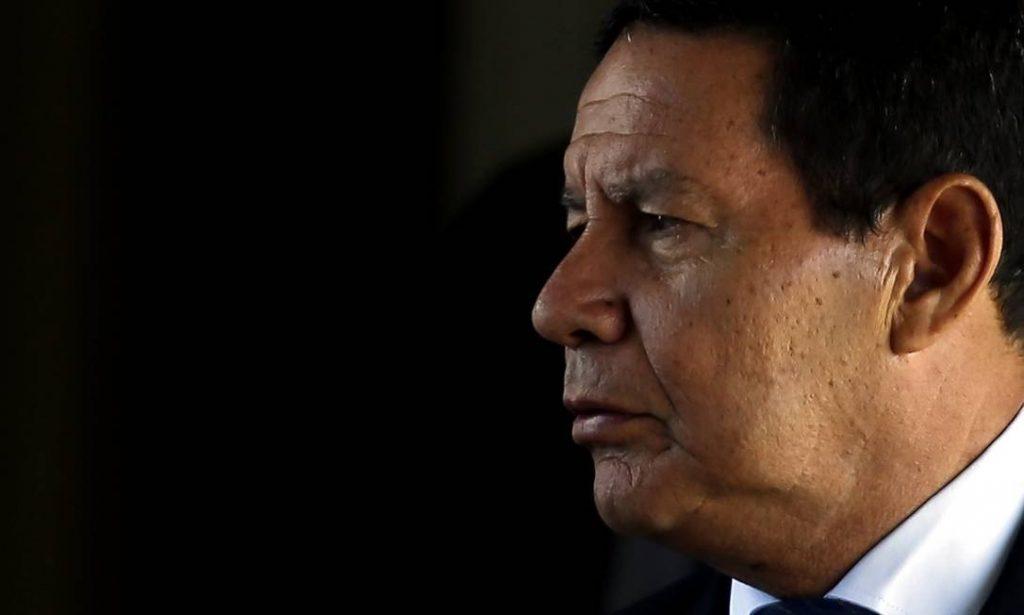Se houver 'culpabilidade', ministro pode ser substituído, afirma Mourão