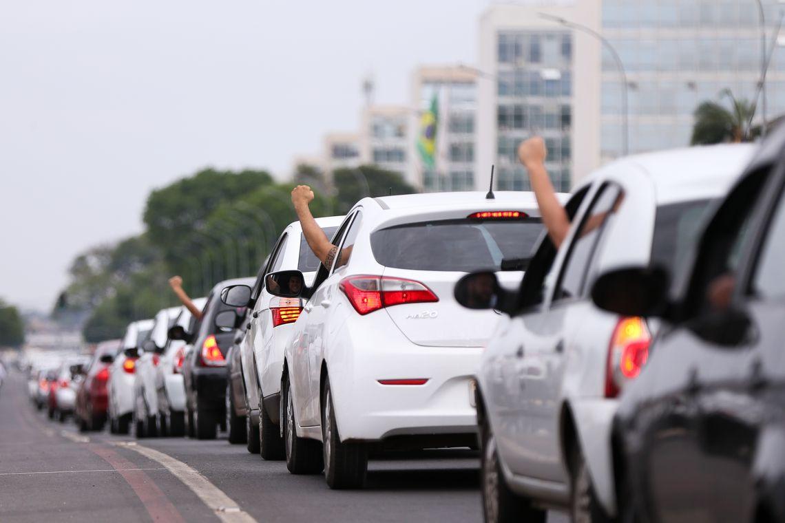 PROIBIÇÃO OU RESTRIÇÃO É INCONSTITUCIONAL: STF define que municípios não podem contrariar a lei federal que regulamentou os serviços de motoristas particulares de aplicativos