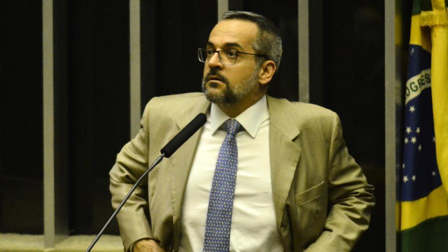 MPF processa Weintraub e pede R$ 5 milhões por dano moral a alunos e professores