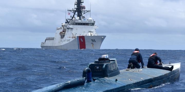 Guarda Costeira dos EUA intercepta submarino com quase 18 toneladas de cocaína