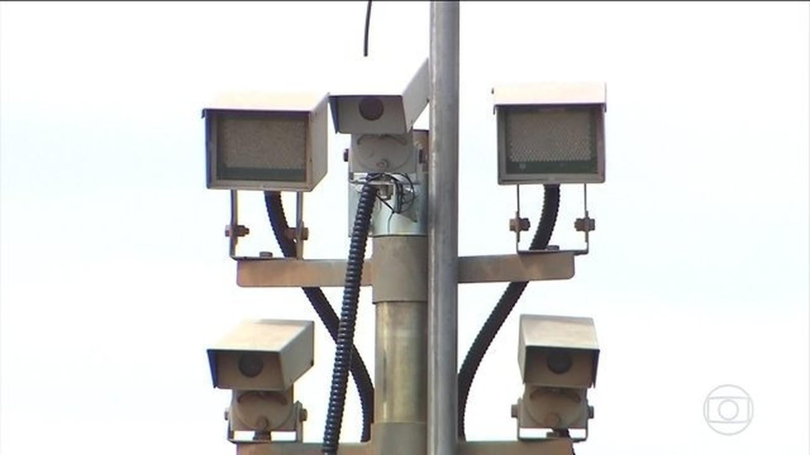 Justiça contraria governo e homologa acordo para instalação de 1.140 radares em rodovias federais