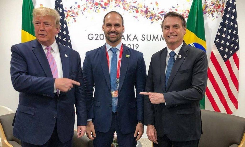 Críticas a Eduardo na embaixada mostram que filho é pessoa 'adequada' ao posto, diz Bolsonaro