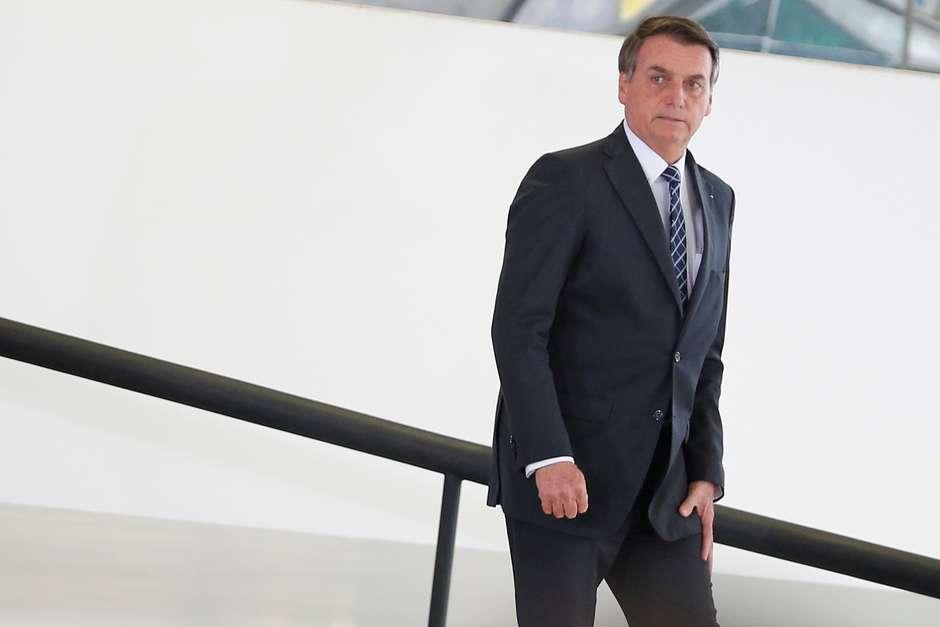 Bolsonaro aciona PGR para bloquear fundo partidário do PSL e tirar Bivar do comando