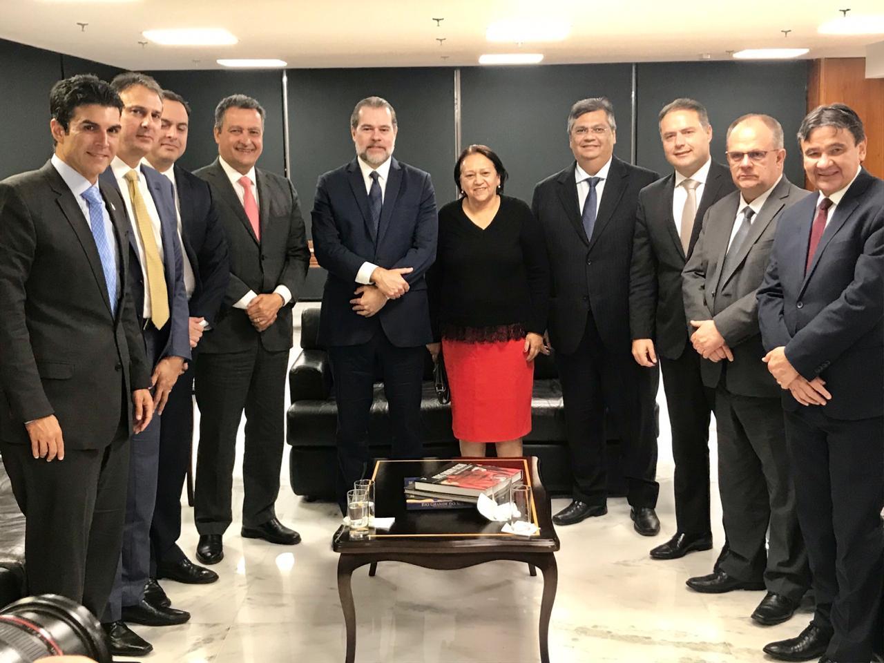Governadora cobra ação que vai garantir R$1,7 bi à Educação