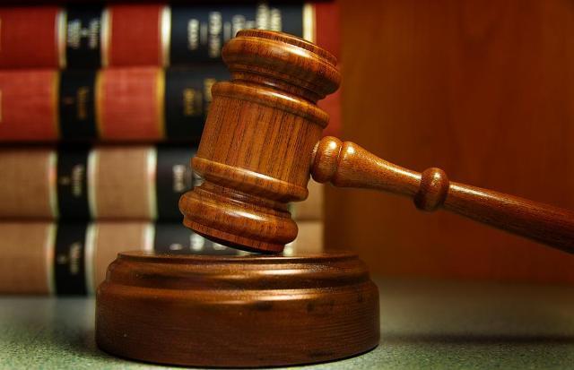 MP ajuíza ação de improbidade contra vereador de Mossoró e ex-assessor que recebia, mas nem morava no RN