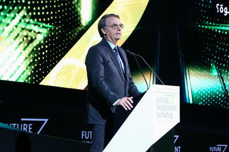 Bolsonaro chega a Brasília após visita a cinco países