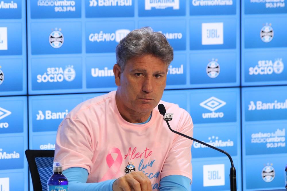 """Renato Gaúcho vê """"futebol brasileiro acabando"""", livra somente 4 times, e diz que restante """"joga feio"""", apenas para """"se defender"""""""