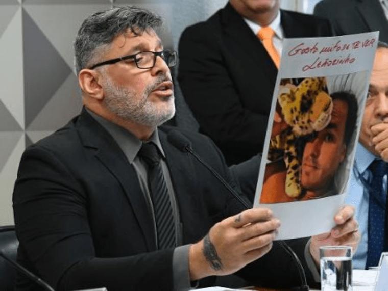 Alexandre Frota volta a provocar e diz que Carlos Bolsonaro vai se casar com o primo
