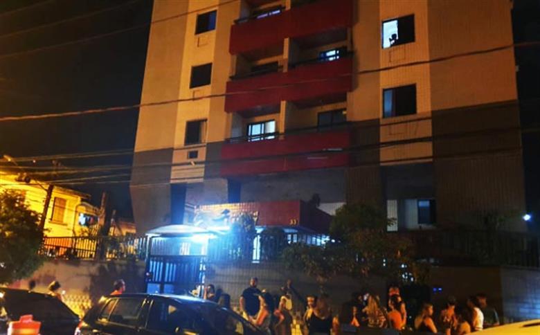 Elevador despenca do nono andar e mata quatro pessoas em Santos