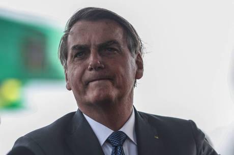 Bolsonaro confirma novo salário mínimo de R$ 1.045 a partir de fevereiro