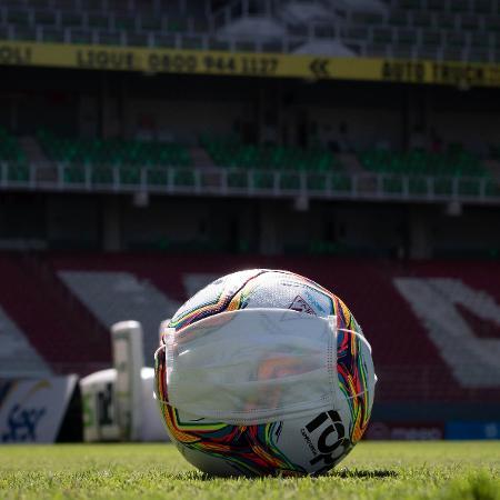 CBF tem proposta na mesa: 'Brasileirão' sem torcida e todos os jogos em SP; clubes divididos em dois grupos de dez, classificando-se quatro de cada, para fase mata-mata