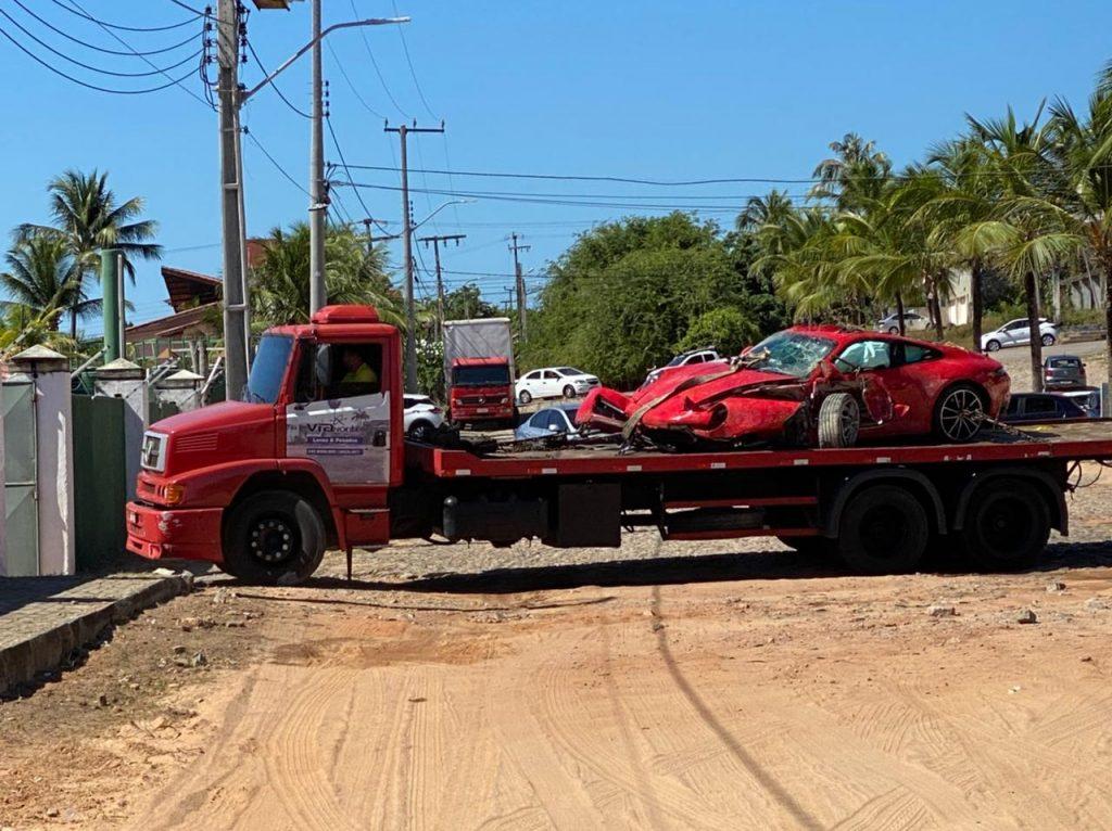 WhatsApp-Image-2021-06-27-at-12.31.15-2-1024x766 Acidente VÍDEOS E FOTOS: Porsche fica destruído após acidente em estrada para o Beach Park, no Ceará