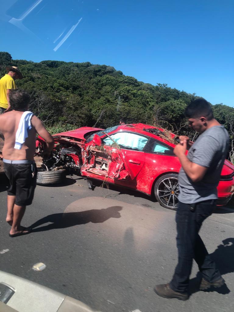 WhatsApp-Image-2021-06-27-at-12.31.15-3 Acidente VÍDEOS E FOTOS: Porsche fica destruído após acidente em estrada para o Beach Park, no Ceará