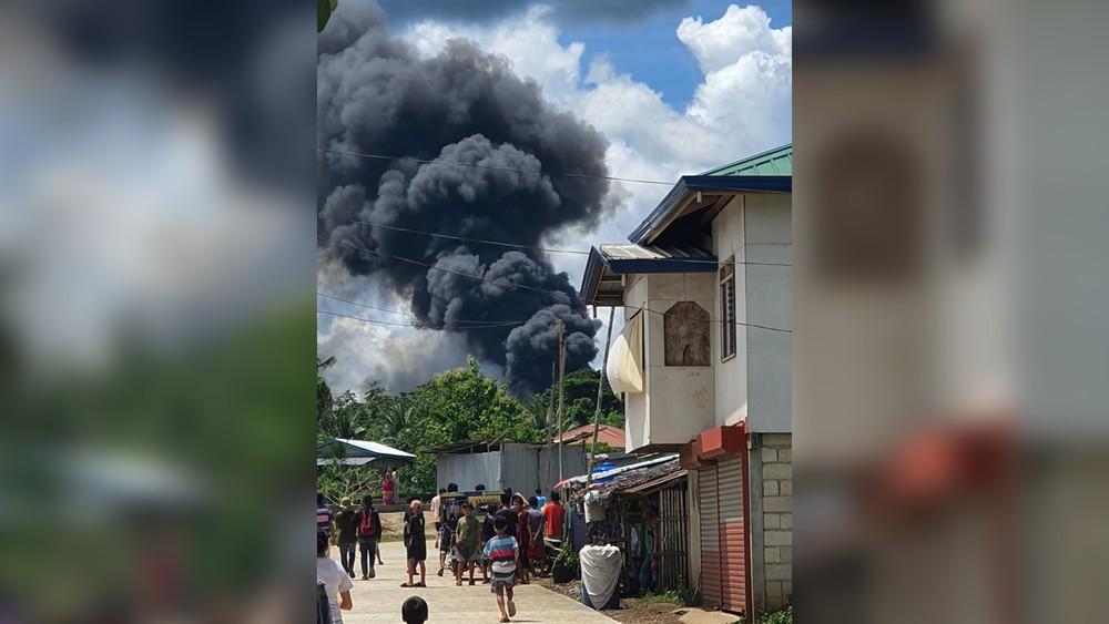 a4 FOTOS: Avião militar das Filipinas cai com 96 pessoas a bordo; há ao menos 29 mortos e 50 sobreviventes