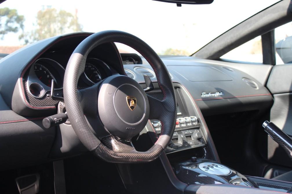 l4 FOTOS: Lamborghini de R$ 800 mil apreendida em ação contra golpistas vira viatura da Polícia Federal