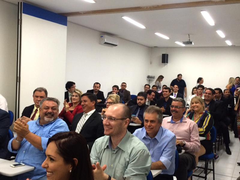 Advogados presentes na reunião de apoio a pré-candidata à presidência da OAB