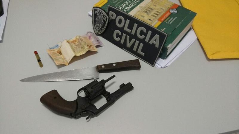 Arma presa com Elinaldo Batista do Nascimento