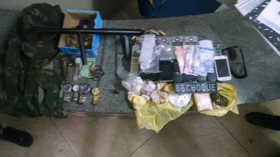 BPChoque realiza operação de combate ao tráfico de drogas na Comunidade do Mosquito (1)
