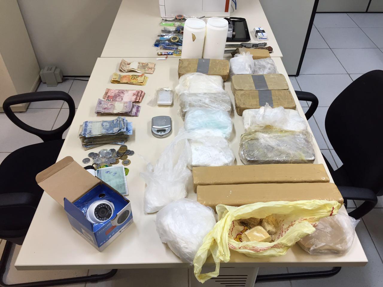 BPChoque realiza operação de combate ao tráfico de drogas na Comunidade do Mosquito (3)
