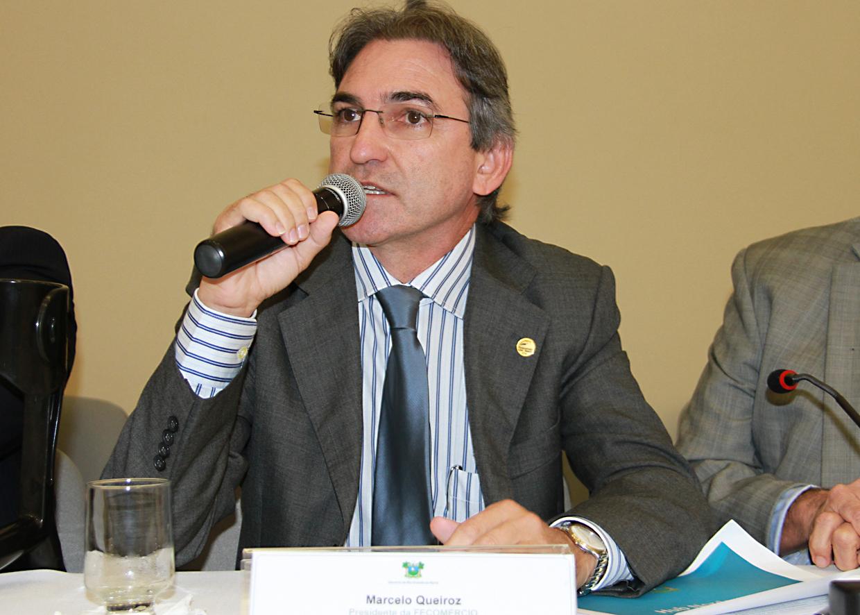 Convidado por Robinson Faria, Marcelo Queiroz participa de reunião na Escola do Governo