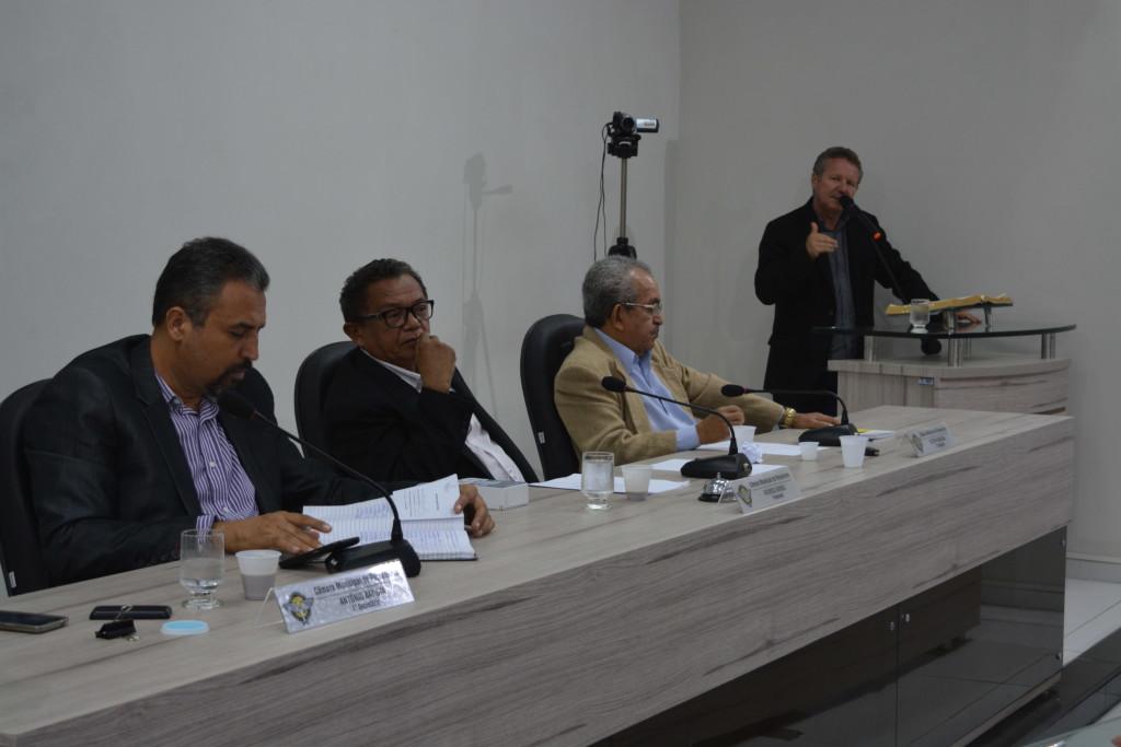 Crise financeira é discutida por vereadores  (1)