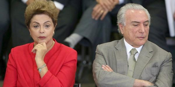 DF - CONCESSÕES/PACOTE/DILMA ROUSSEFF - POLÍTICA - A presidente Dilma Rousseff, e o vice-presidente Michel Temer na cerimônia de anúncio da nova etapa do Programa de Investimento em Logística, no Palácio do Planalto em Brasília. 09/06/2015 - Foto: ANDRÉ DUSEK/ESTADÃO CONTEÚDO