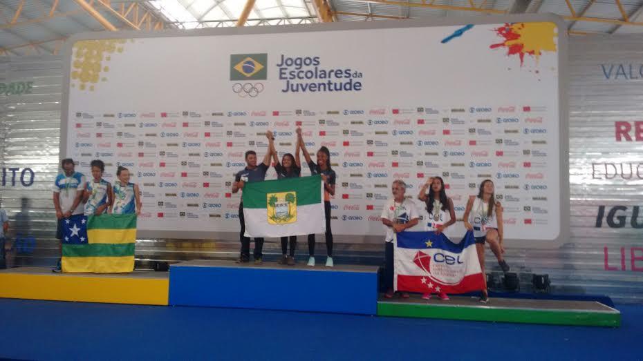 Kyce e Milena - ouro - vôlei de praia - Jogos Escolares da Juventude.5-png